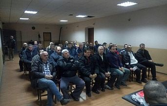 EDUCATION MEETEINGS  WITH TRACTOR  AND AGRICULTURAL MACHINE DRIVERS IN URBAN AREAS OF VRSAC TOWN   Agencija za bezbednost saobraćaja
