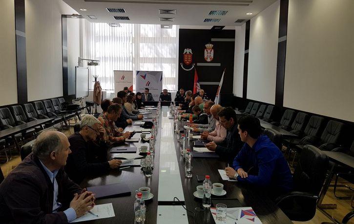 DISKUSIJE NA TEMU NACRTA PRAVILNIKA O RADU LOKALNIH TELA ZA KOORDINACIJU POSLOVA BEZBEDNOSTI SAOBRAĆAJA | Agencija za bezbednost saobraćaja