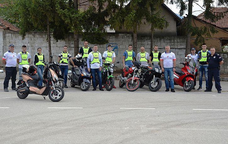 Тренинг безбедне вожње за мопедисте у Лапову, Крушевцу и Сурдулици | Agencija za bezbednost saobraćaja