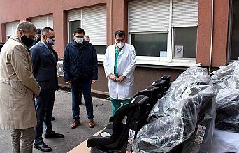 Ауто седишта за родитеље беба рођених на Бадњи дан и Божић   Agencija za bezbednost saobraćaja