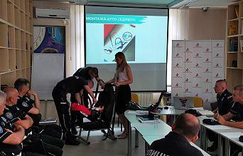 Обука припадника Саобраћајне полиције ПУ Шабац о правилној употреби и значају безбедносних седишта за превоз деце   Agencija za bezbednost saobraćaja
