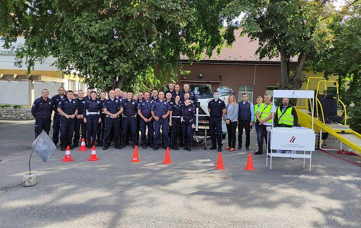 Обука припадника Саобраћајне полиције ПУ Сомбор, Суботица и Кикинда о значају коришћења безбедносног седишта и сигурносног појаса   Agencija za bezbednost saobraćaja