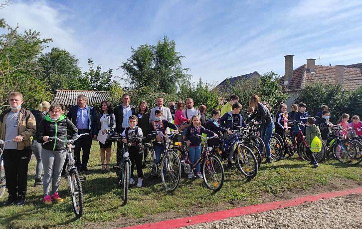 Безбедност деце бициклиста у Српској Црњи | Agencija za bezbednost saobraćaja