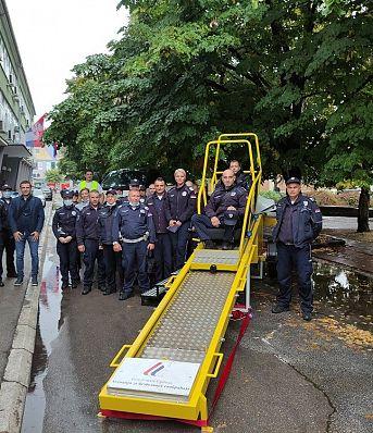 Обука припадника Саобраћајне полиције ПУ Јагодина о значају коришћења безбедносног седишта и сигурносног појаса